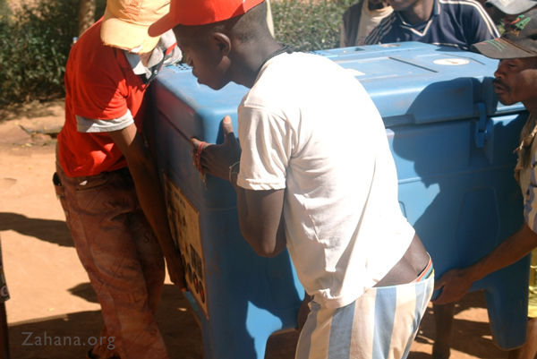 Delivering the refrigerator to the Health Canter - Zahana Madagascar