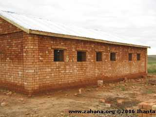 Building the school for Fiadanana