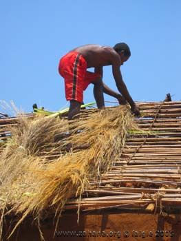 thatching the roof in Fiadanana