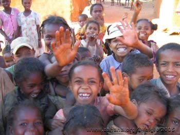 Children of Fiadanana in Madagascar waving