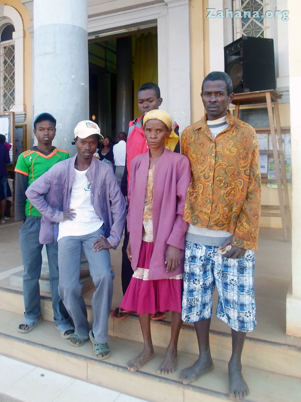 The paretns seeing their sons off for the exam in the big city in Madagascar - zahana