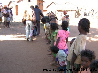 waiting for the doctor_in_Fiadanana_Madagascar