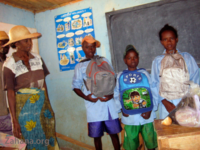 goodies for swecondary school in Madagascar - zahana.org
