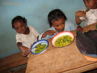 soup in the classroom in Fairenana