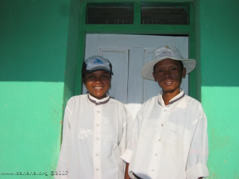 2 Teachers_in_Fiadanana_Madagascar
